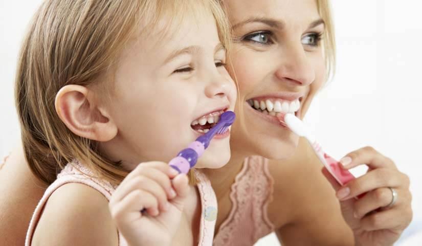 brosser les dents des enfants